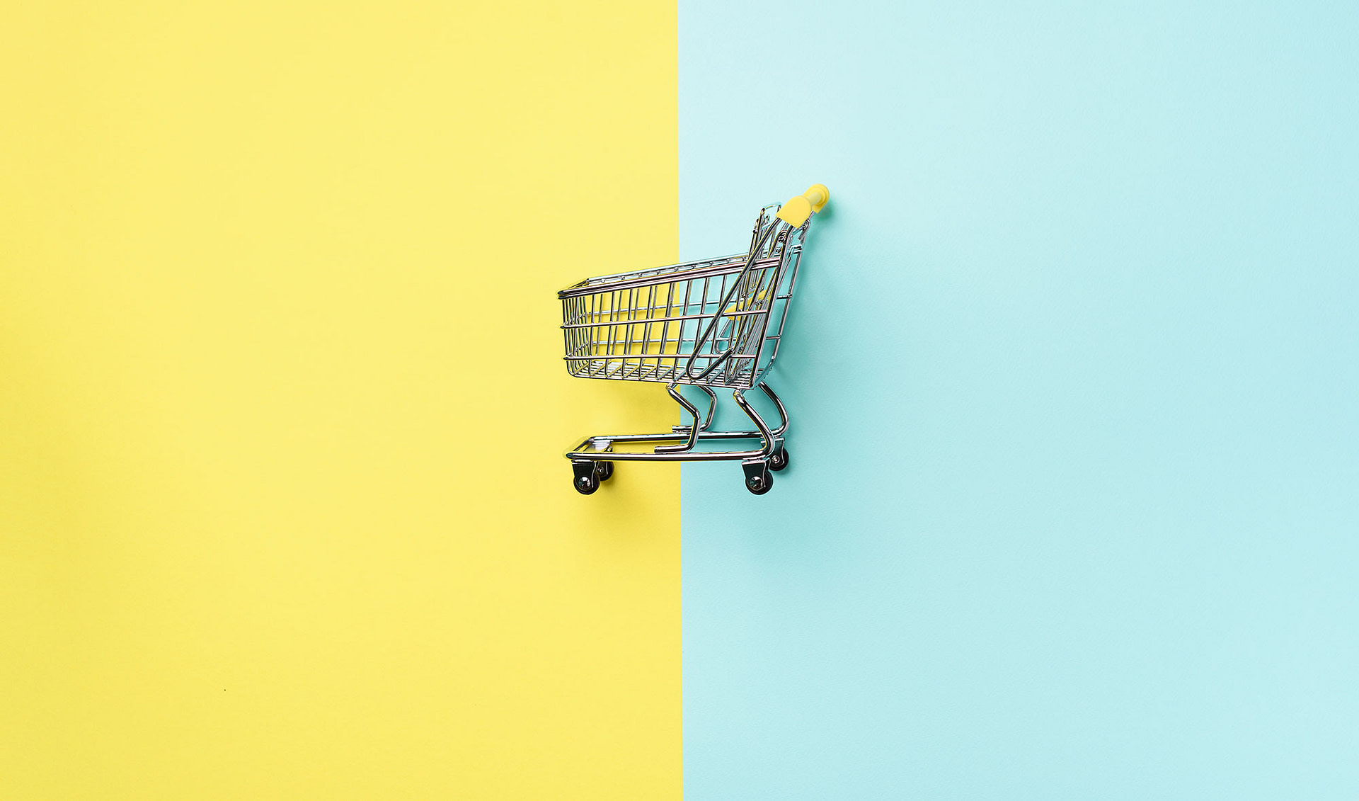 shopping-cart-on-blue-and-yellow-background-minima-ARBKQCB